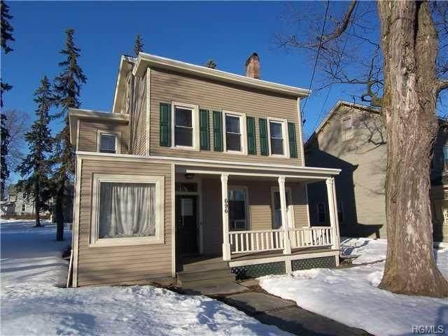 696 Broadway, Newburgh, NY 12550 (MLS #6014162) :: Cronin & Company Real Estate