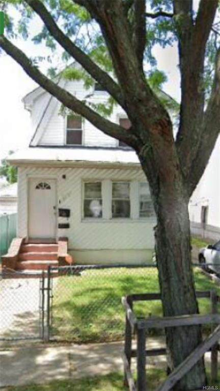 193-07 122nd Avenue, Jamaica, NY 11413 (MLS #6015225) :: Mark Seiden Real Estate Team