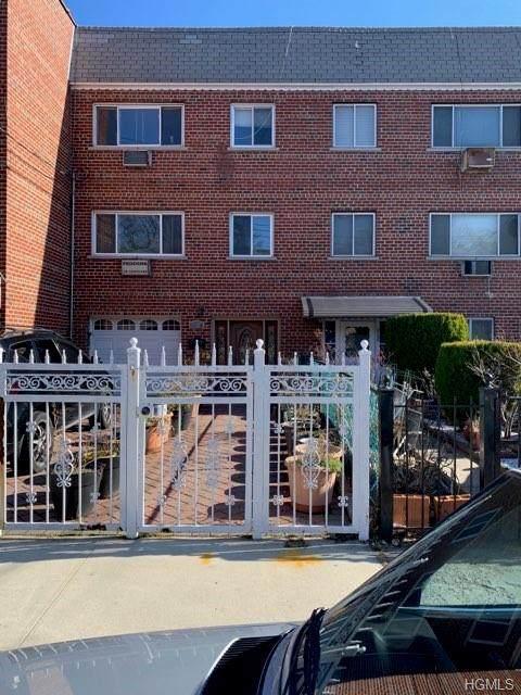 3208 Gunther Avenue, Bronx, NY 10469 (MLS #6015643) :: Mark Seiden Real Estate Team
