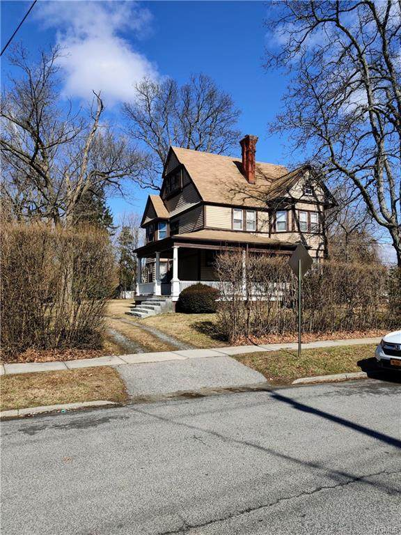 12 The Circle, New Rochelle, NY 10801 (MLS #6019304) :: William Raveis Baer & McIntosh
