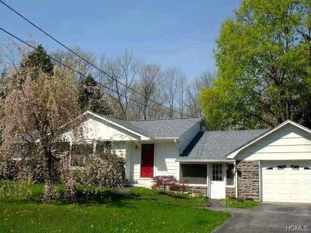 390 Quaker Street, Newburgh Town, NY 12589 (MLS #H6026300) :: Cronin & Company Real Estate