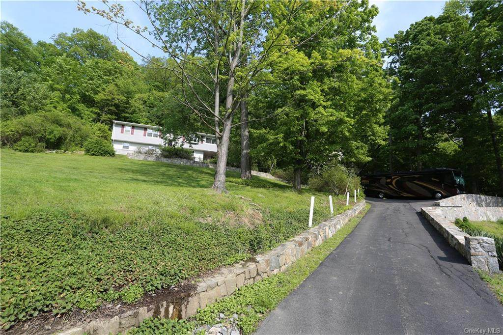 61 Lakeview Road - Photo 1