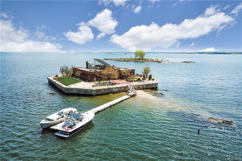 1 Columbia Island - Photo 1