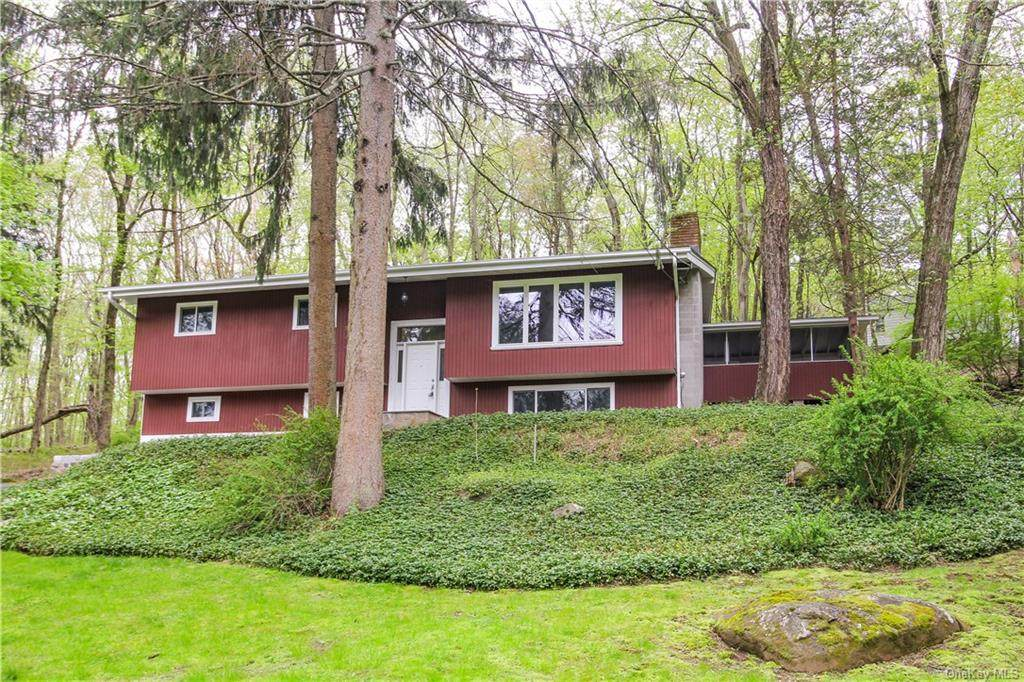 28 Watch Hill Road - Photo 1