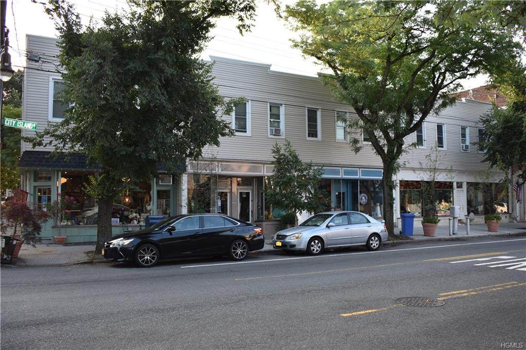 270 City Island Avenue - Photo 1