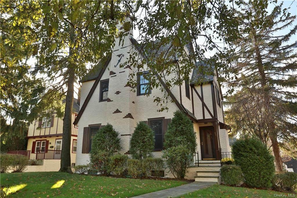 722 Webster Avenue - Photo 1