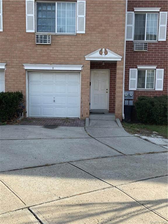 7 Mcfadden, Yonkers, NY 10701 (MLS #H5125480) :: William Raveis Baer & McIntosh