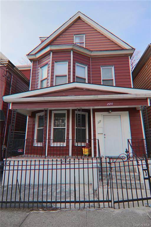 2657 Bainbridge Avenue - Photo 1
