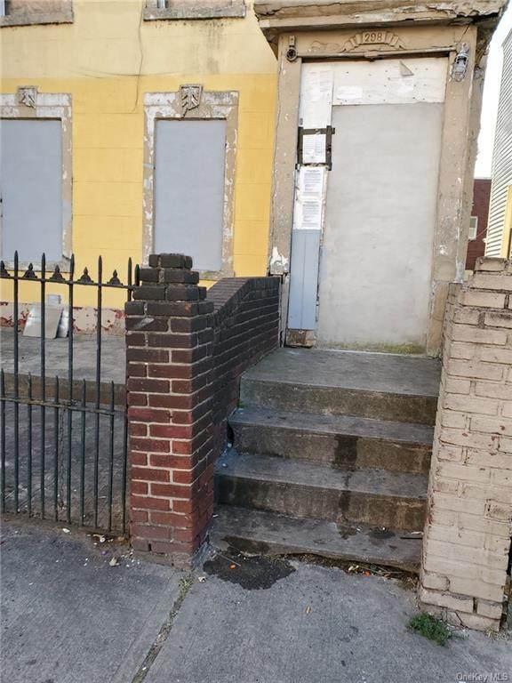 298 151 Street - Photo 1