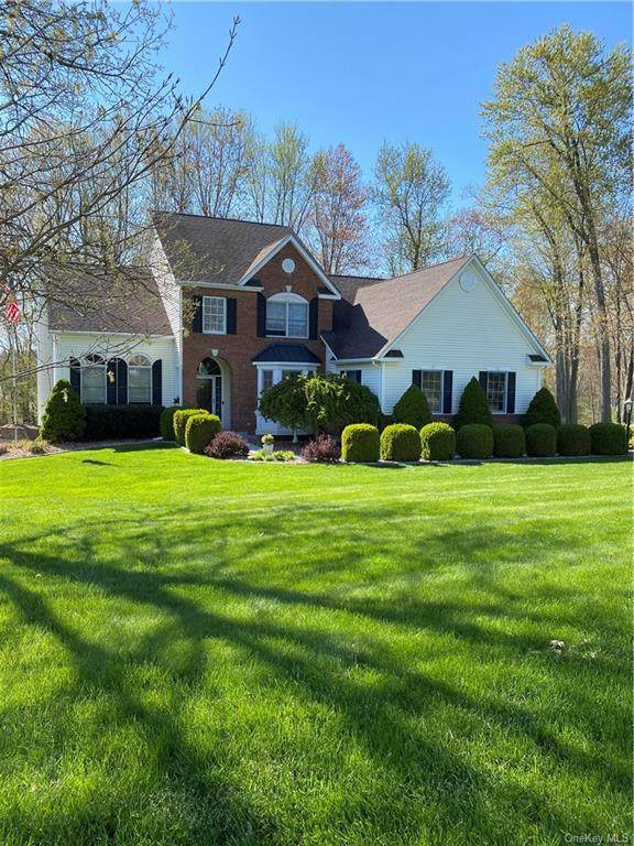 12 Bannister Drive, East Fishkill, NY 12533 (MLS #H6038431) :: Cronin & Company Real Estate