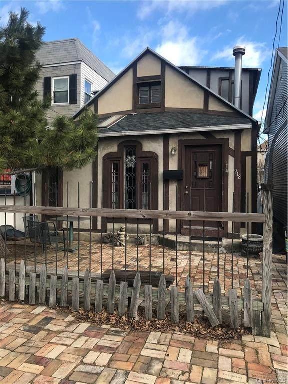 918 Clarence Avenue, Bronx, NY 10465 (MLS #H6041635) :: Mark Boyland Real Estate Team