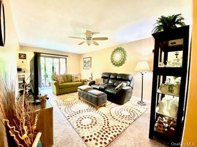 10 Oakwood Terrace #74, New Windsor, NY 12553 (MLS #H6041957) :: Signature Premier Properties