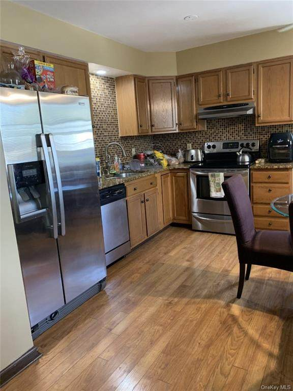 48 Pocantico Street B, Mount Pleasant, NY 10591 (MLS #H6043102) :: Mark Boyland Real Estate Team