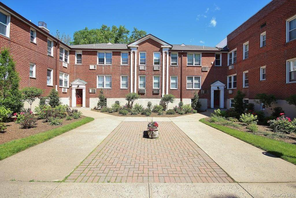 706 Palmer Court - Photo 1