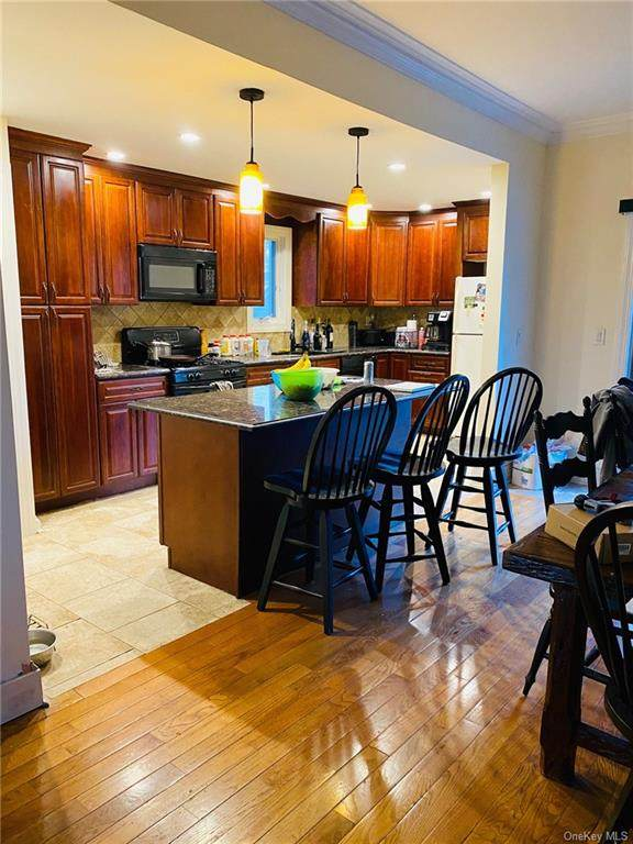 820 Edison Avenue, Bronx, NY 10465 (MLS #H6050603) :: RE/MAX RoNIN