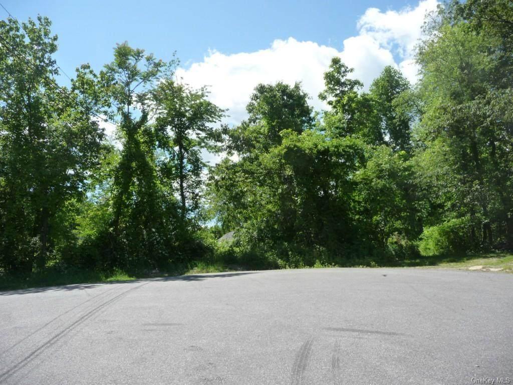 56 Mi-Anna Drive - Photo 1
