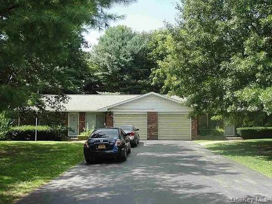 27 Mapleview, La Grange, NY 12603 (MLS #H6051071) :: Kendall Group Real Estate | Keller Williams