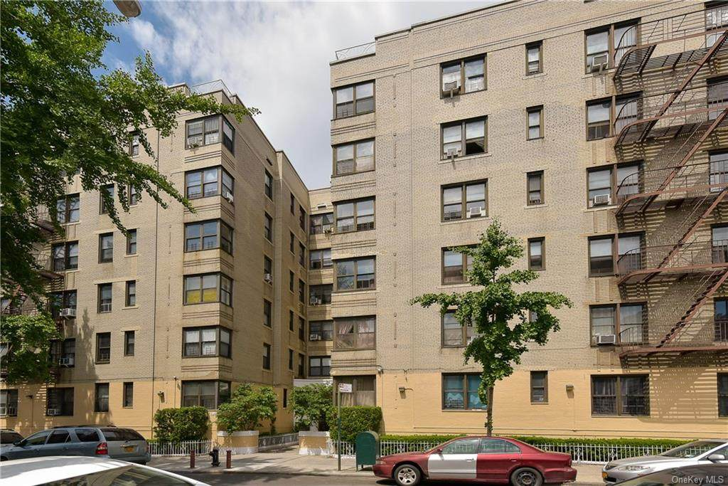 2685 Creston Avenue - Photo 1