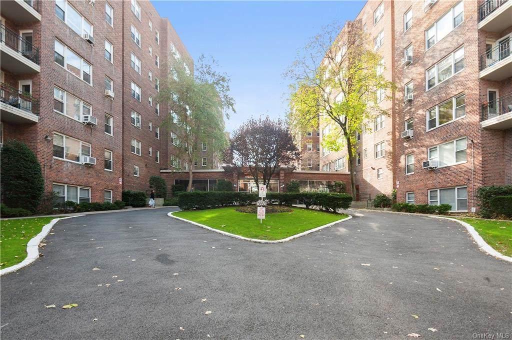 3850 Hudson Manor Terrace - Photo 1