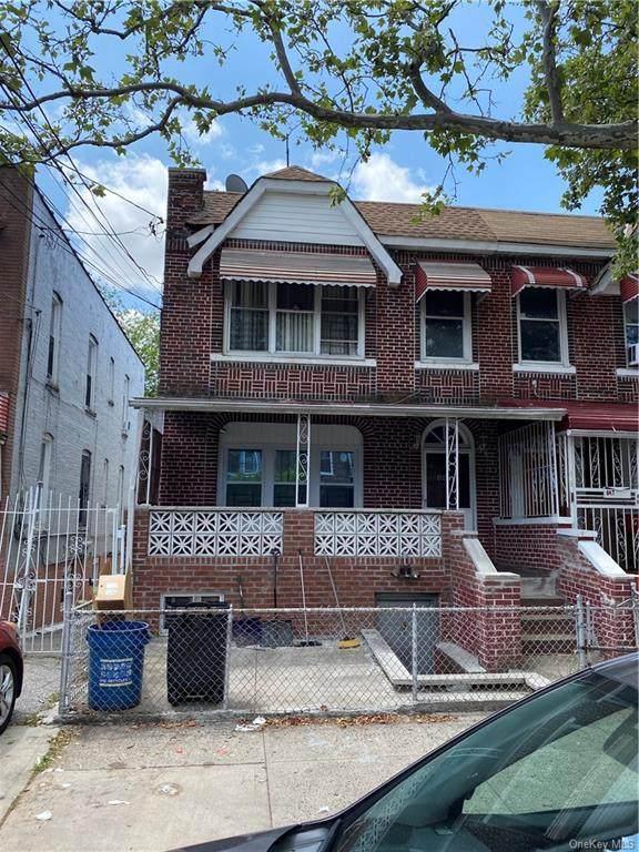 645 Saint Lawrence Avenue - Photo 1