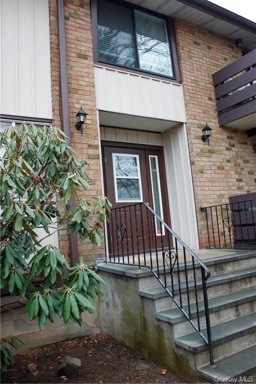 186 Sierra Vista Lane, Valley Cottage, NY 10989 (MLS #H6057537) :: Mark Seiden Real Estate Team