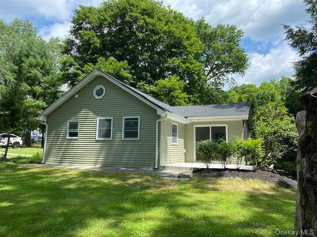 27 Main Street, Sparrowbush, NY 12780 (MLS #H6057803) :: Frank Schiavone with William Raveis Real Estate