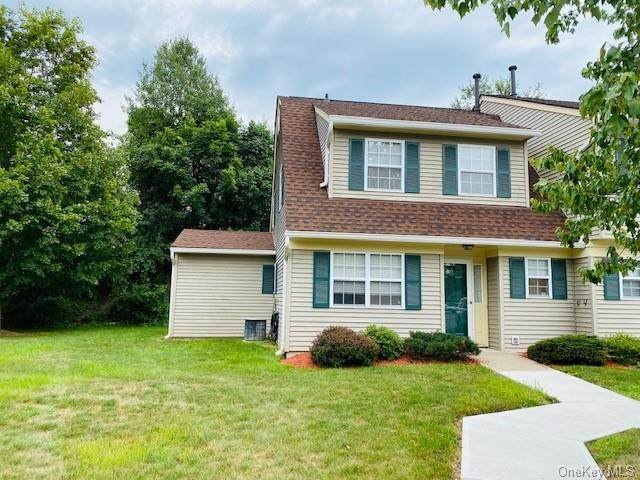 16 Autumn Leaf Court, Montgomery, NY 12549 (MLS #H6058159) :: Cronin & Company Real Estate