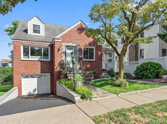 24 Aqueduct Avenue, Yonkers, NY 10704 (MLS #H6059739) :: Frank Schiavone with William Raveis Real Estate