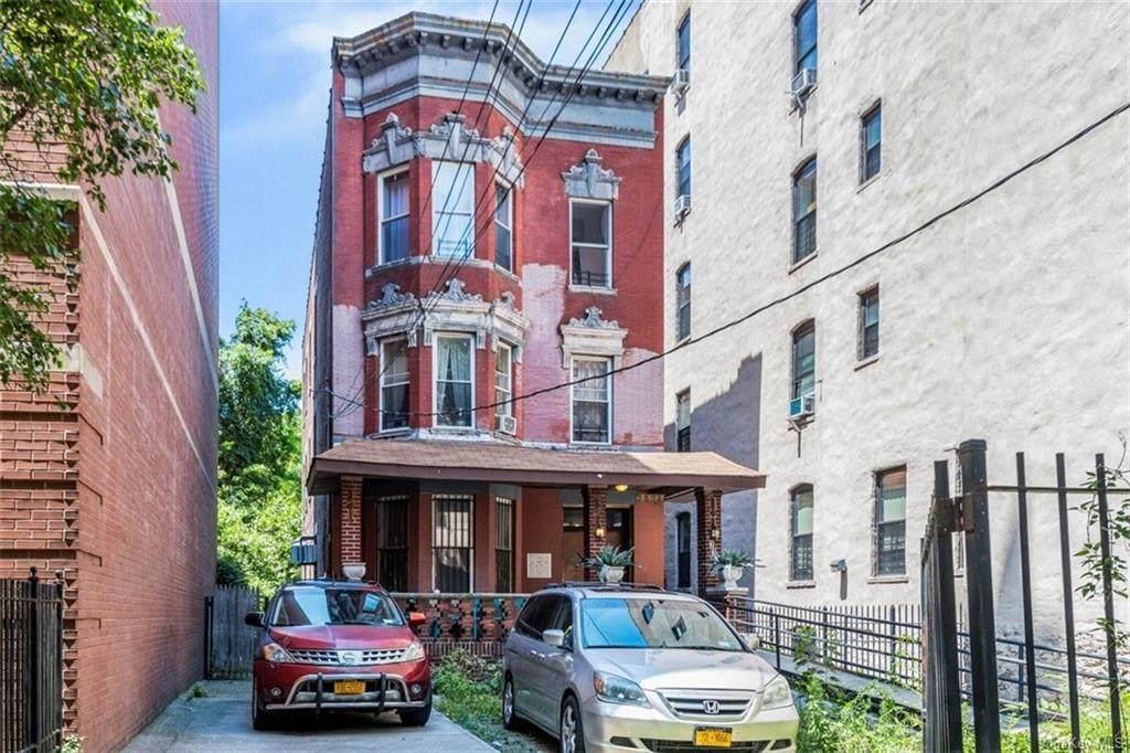 1371 Franklin Avenue - Photo 1