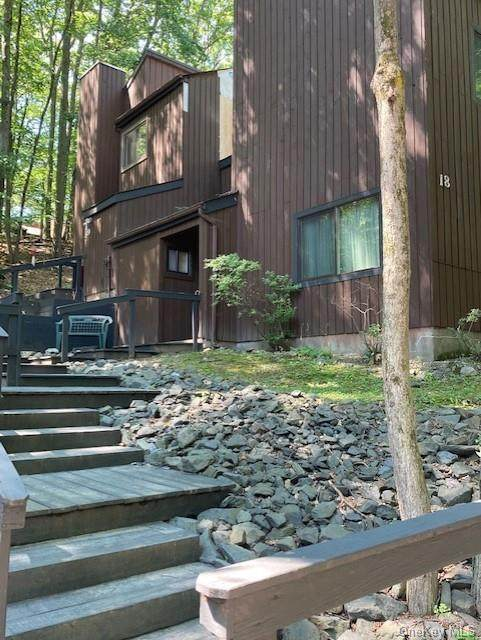 18 Terra Court, Highland Mills, NY 10930 (MLS #H6060120) :: Frank Schiavone with William Raveis Real Estate