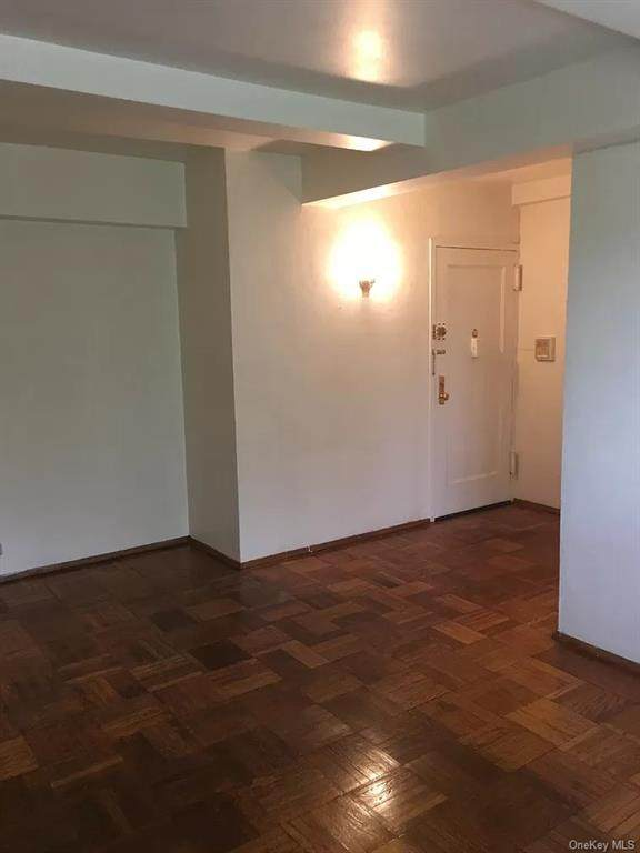 1600 Metropolitan Avenue 5D, Bronx, NY 10462 (MLS #H6060256) :: Mark Seiden Real Estate Team