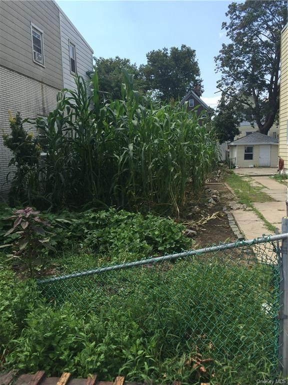 1050 E 95th Street, Canarsie, NY 11236 (MLS #H6061147) :: Mark Seiden Real Estate Team