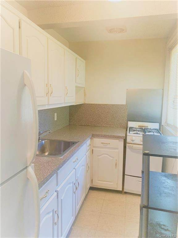 9 Wyndover Woods Lane #14, White Plains, NY 10603 (MLS #H6061683) :: William Raveis Legends Realty Group