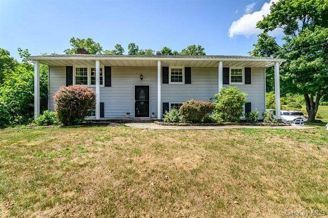 16 Split Tree Drive, Wappingers Falls, NY 12590 (MLS #H6061685) :: The Home Team