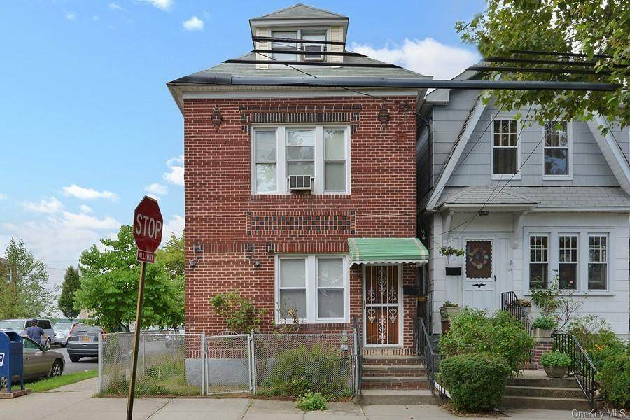 2861 Dudley Avenue - Photo 1