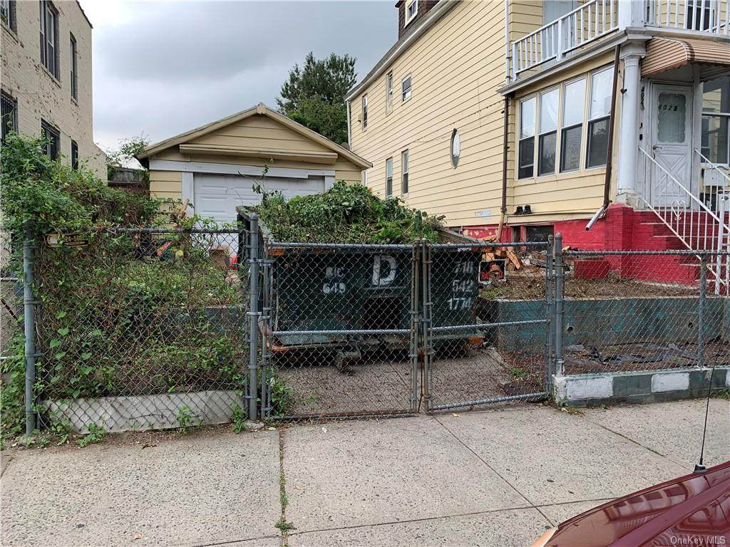 4021 Gunther Avenue - Photo 1