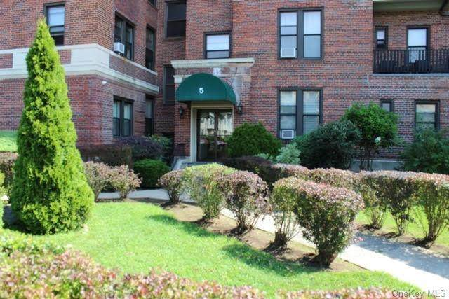 5 Circuit Road A52, New Rochelle, NY 10805 (MLS #H6065239) :: William Raveis Baer & McIntosh