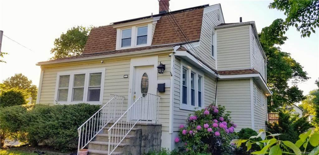 24 Oak Terrace - Photo 1