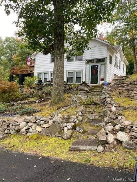 11 Arbutus Trail, Wurtsboro, NY 12790 (MLS #H6073921) :: Cronin & Company Real Estate