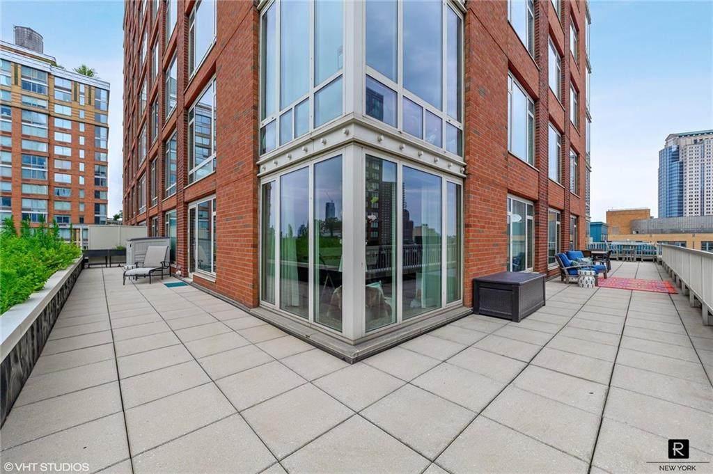 325 End Avenue - Photo 1