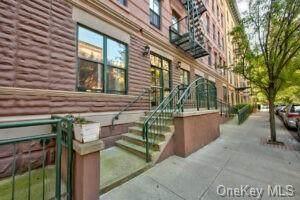 364 117 Street - Photo 1