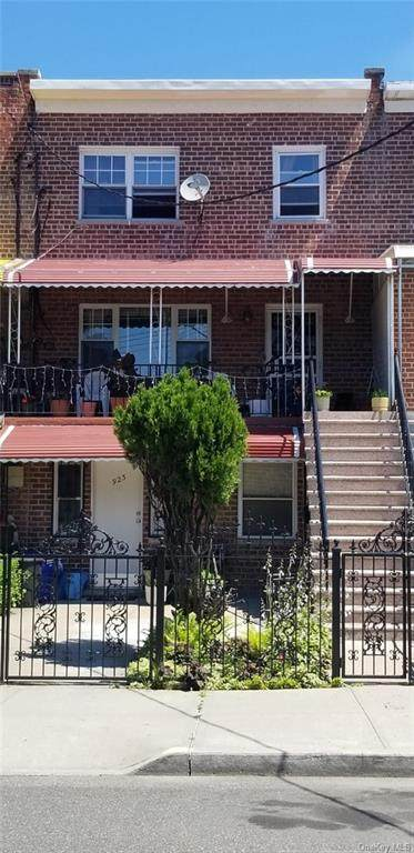 923 E 220 Street, Bronx, NY 10469 (MLS #H6078592) :: Nicole Burke, MBA | Charles Rutenberg Realty