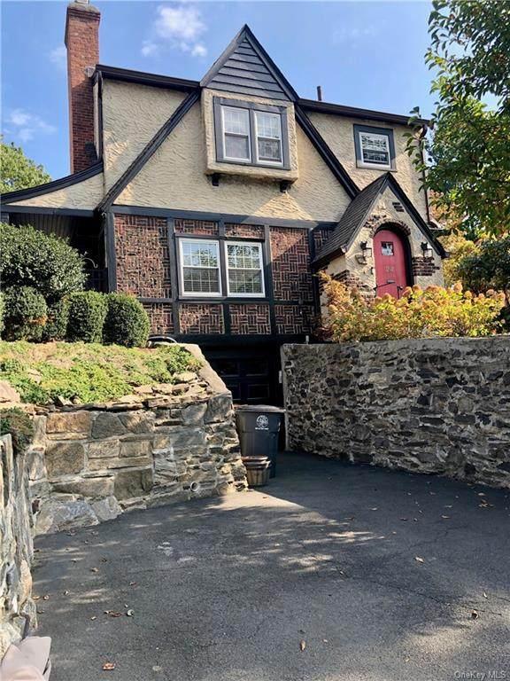 24 Upland Avenue, White Plains, NY 10604 (MLS #H6079359) :: Mark Boyland Real Estate Team