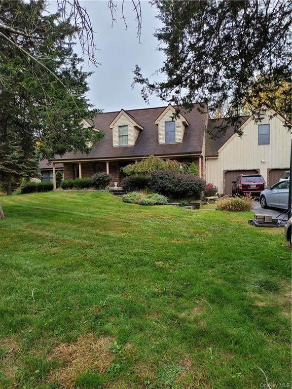 18 Fox Run, Hopewell Junction, NY 12533 (MLS #H6079791) :: McAteer & Will Estates | Keller Williams Real Estate