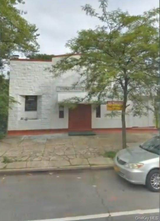 4069 Bronxwood Avenue - Photo 1
