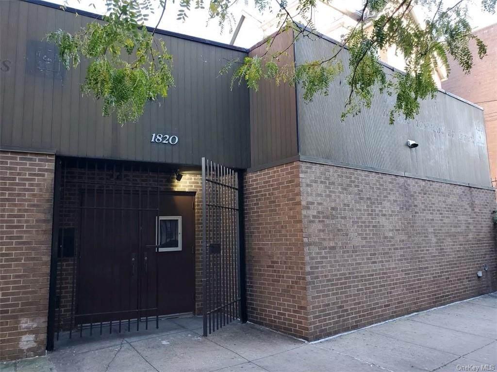 1820 Monroe Avenue - Photo 1