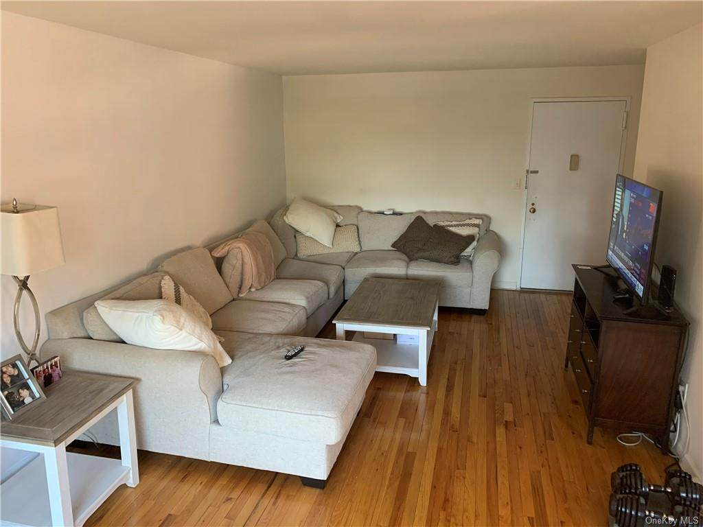 395 Westchester Avenue - Photo 1