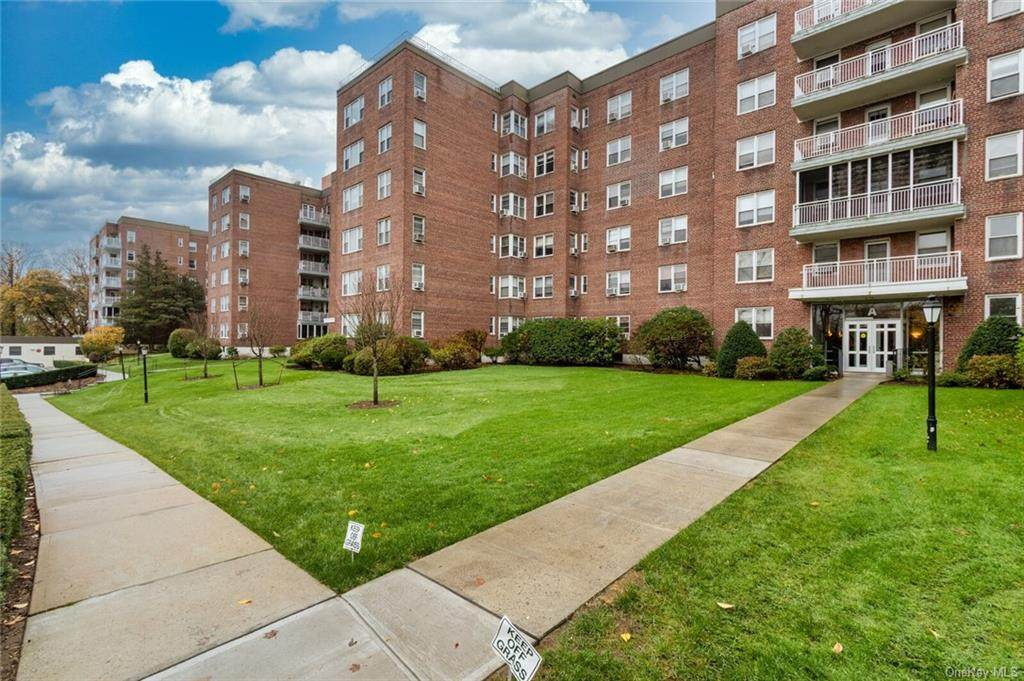 1255 North Avenue - Photo 1
