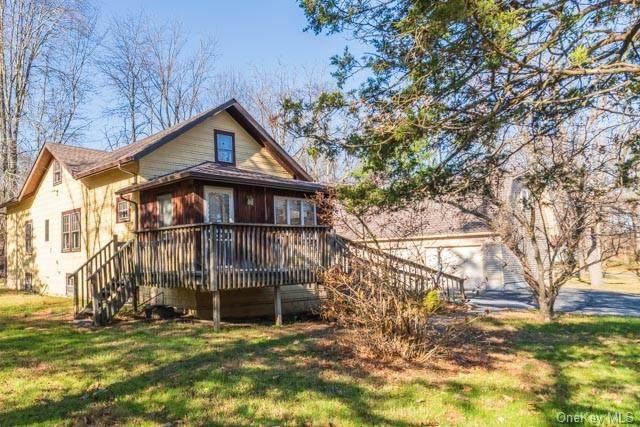 208 Glenmere Road, Chester, NY 10918 (MLS #H6082786) :: Kevin Kalyan Realty, Inc.