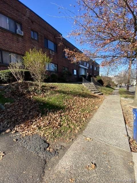 26 Oakwood Avenue - Photo 1